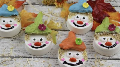 Scarecrow Sandwich Cookie Fall Treats